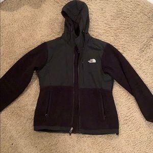 Black NorthFace hooded fleece